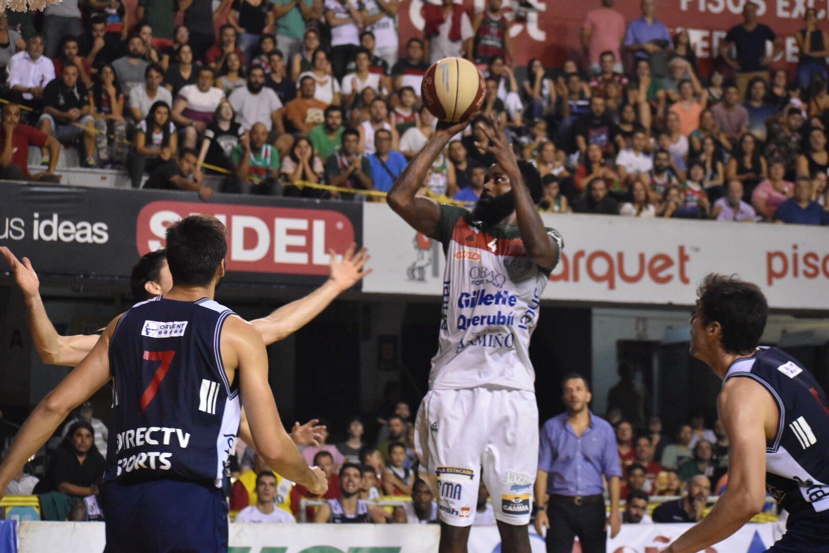 Dwayne Davis Aguada Defensor Sporting
